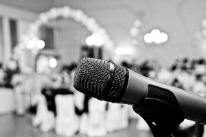 Choosing a Wedding DJ Service